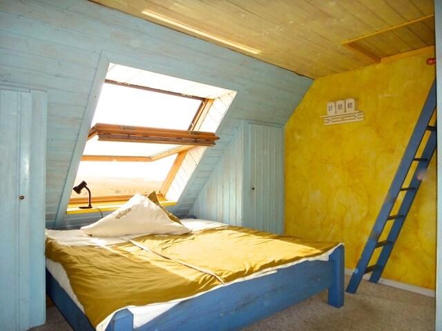 Euer Zimmer Boddenseite. Die Sonne scheint ins Bett und Meeresrauschen pur.