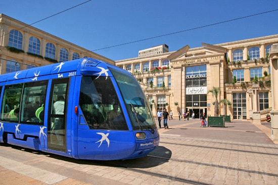 le tram devant le Polygone coté Antigone / tram in front of Polygone Antigone side