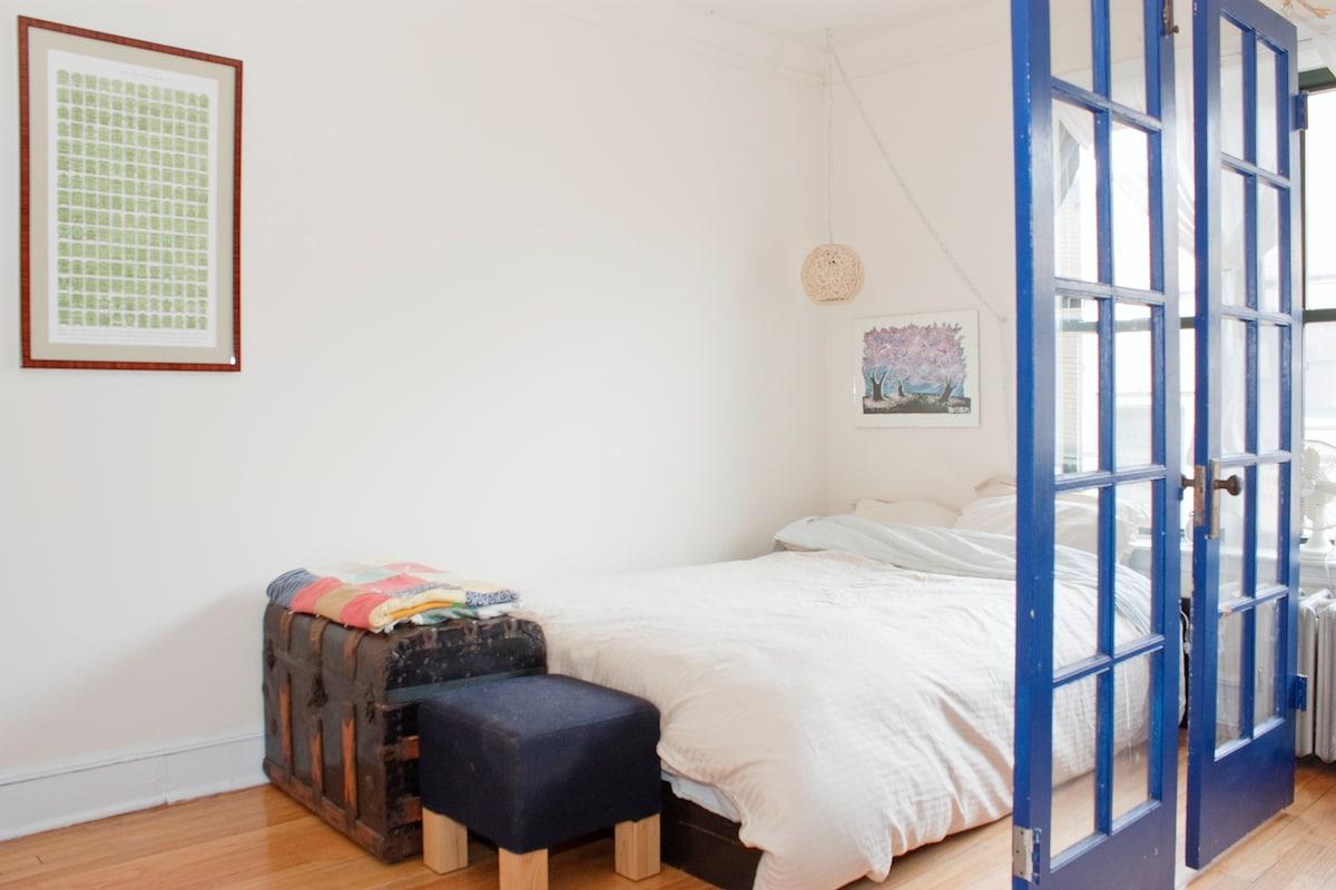 Studio Apartment in Logan Square