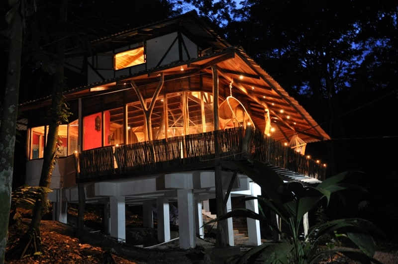Designer junglehouses with jacuzzi!