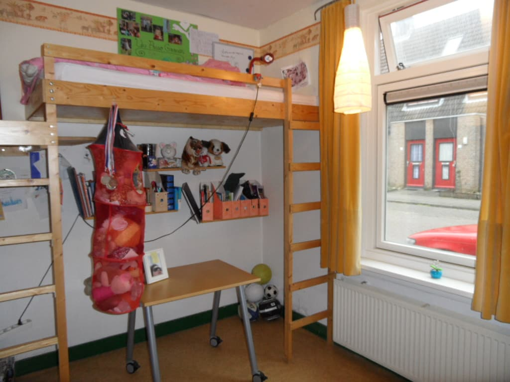 Room downstairs of my second daughter with two bulk-beds