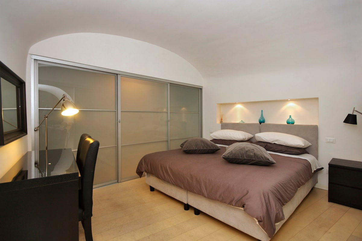 Fancy flat with 2 bedrooms, patio
