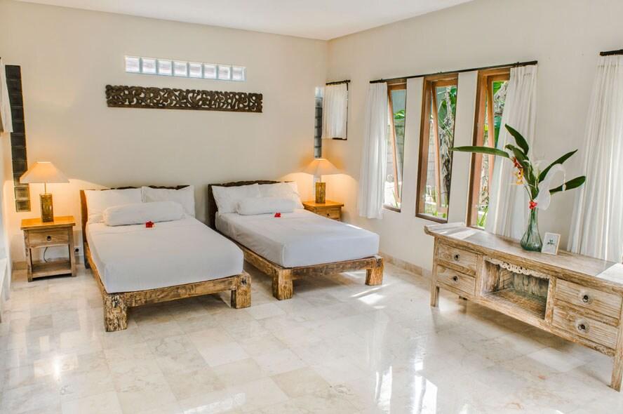 Downstair: bedroom