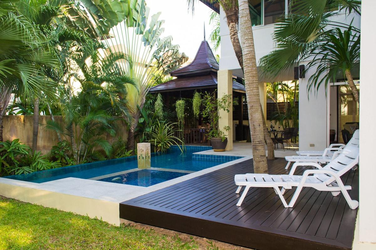 Jomtien Beach Deluxe Villa sleep 10