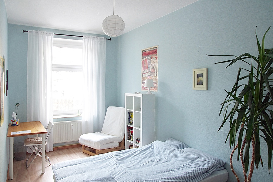 Cosy quiet room in a lively area