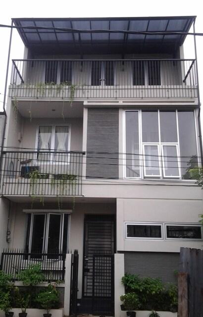 Small minimalis modern house