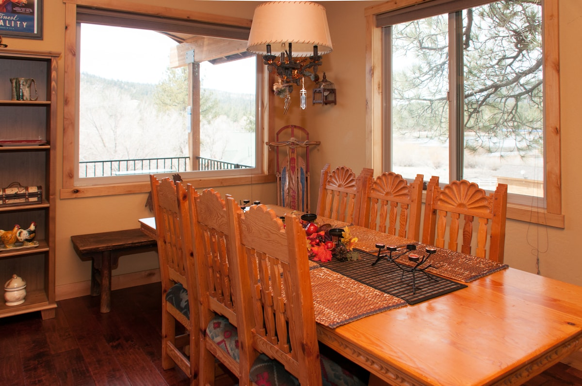 dining area with views of the lake