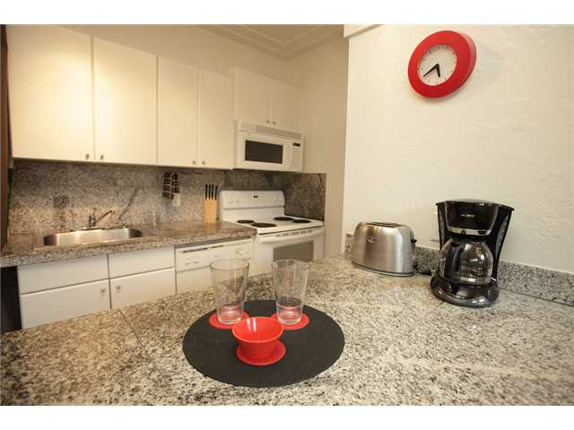 Complete Kitchen with dishwasher, microwave, laundry and including all utensils.