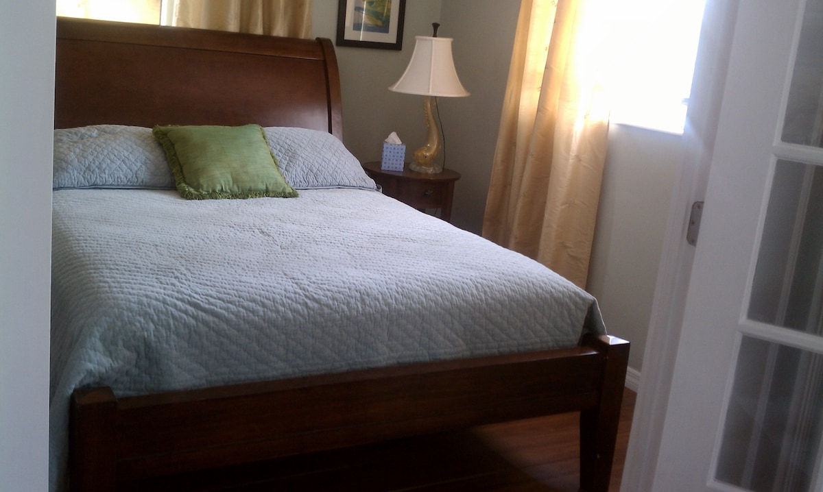 relax on our accommodating full-sized bed
