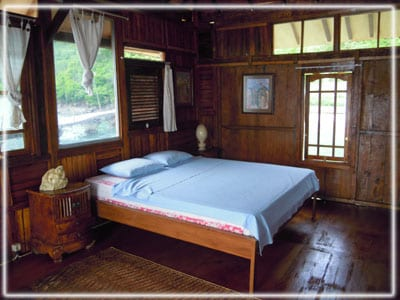 Inside of new 'Bungalow Over The Reef'