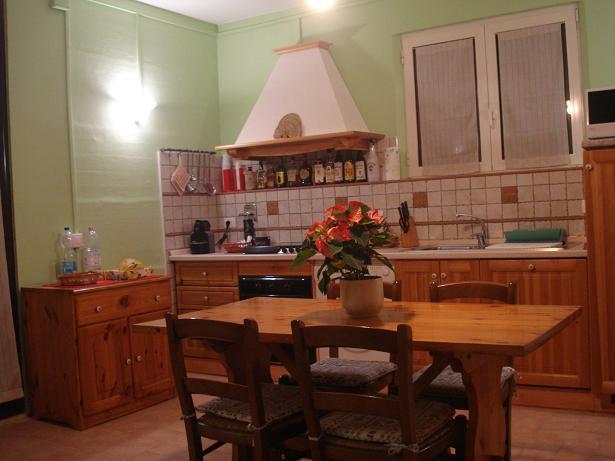 soggiorno-cucina appartamento rustico