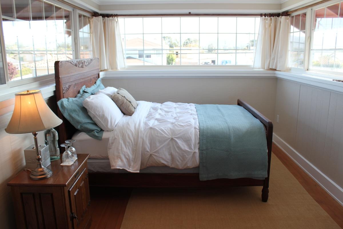 Historic Landmark House - room #4