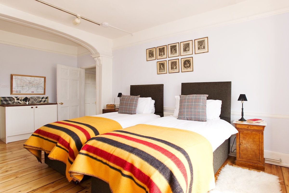 Choose between a super-king or twin beds
