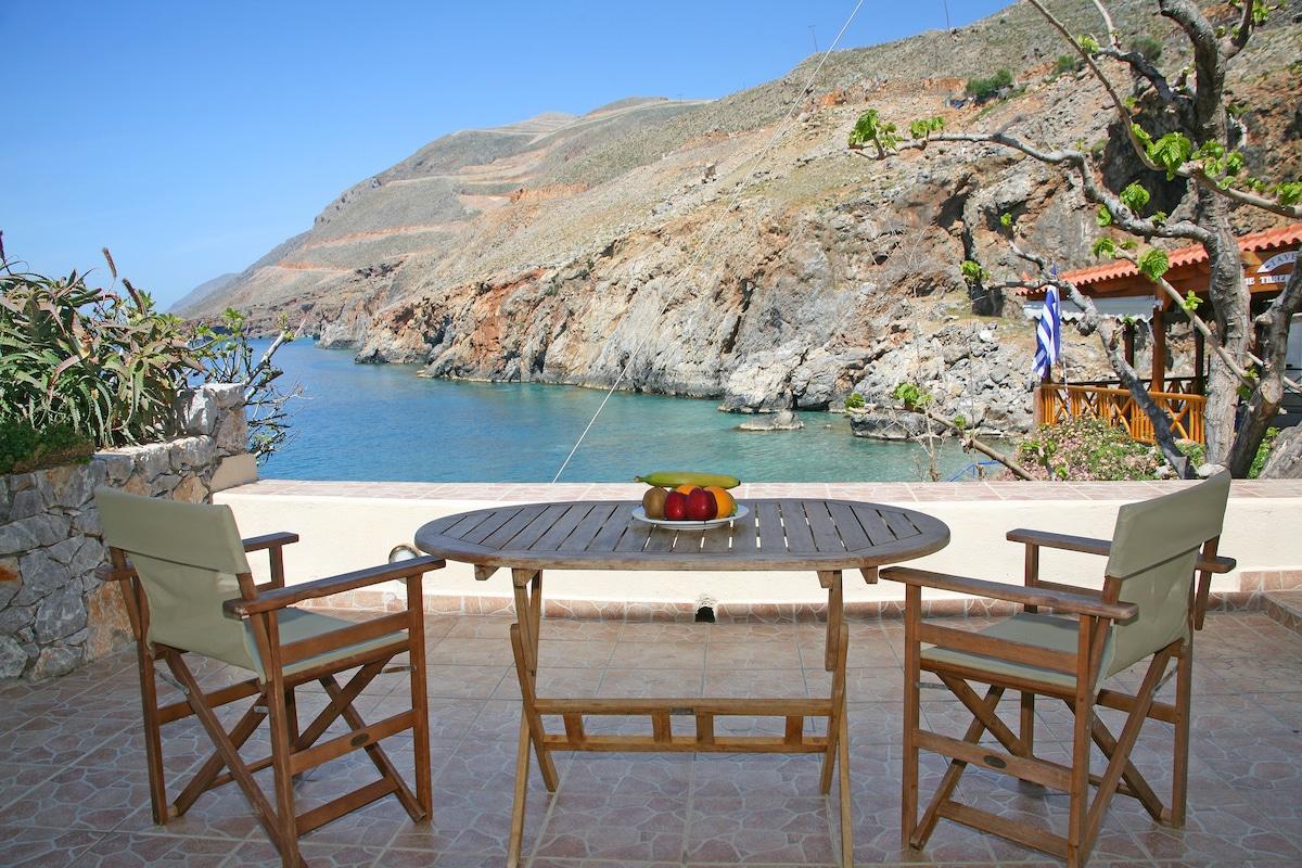 Self Catering Suite 2 in Sfakia