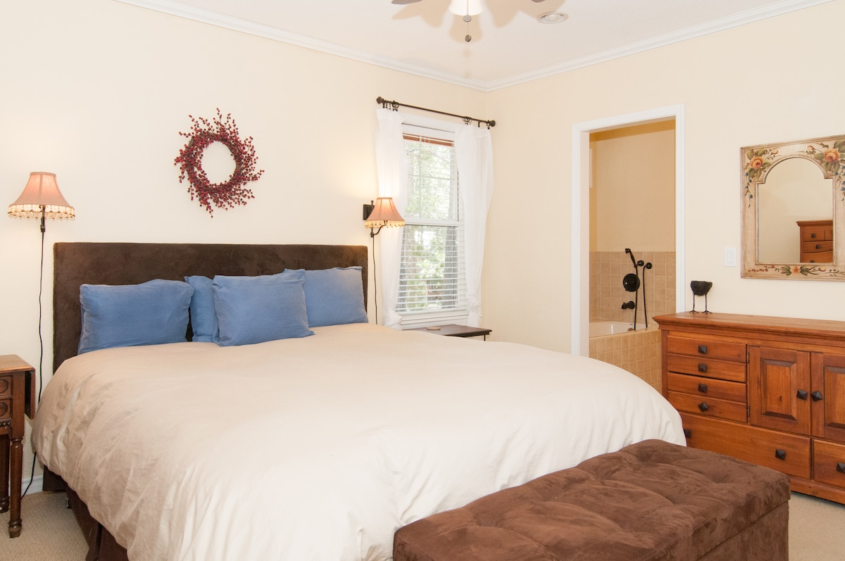 Master bedroom. King size bed, attached bathroom with jacuzzi tub and separate shower.