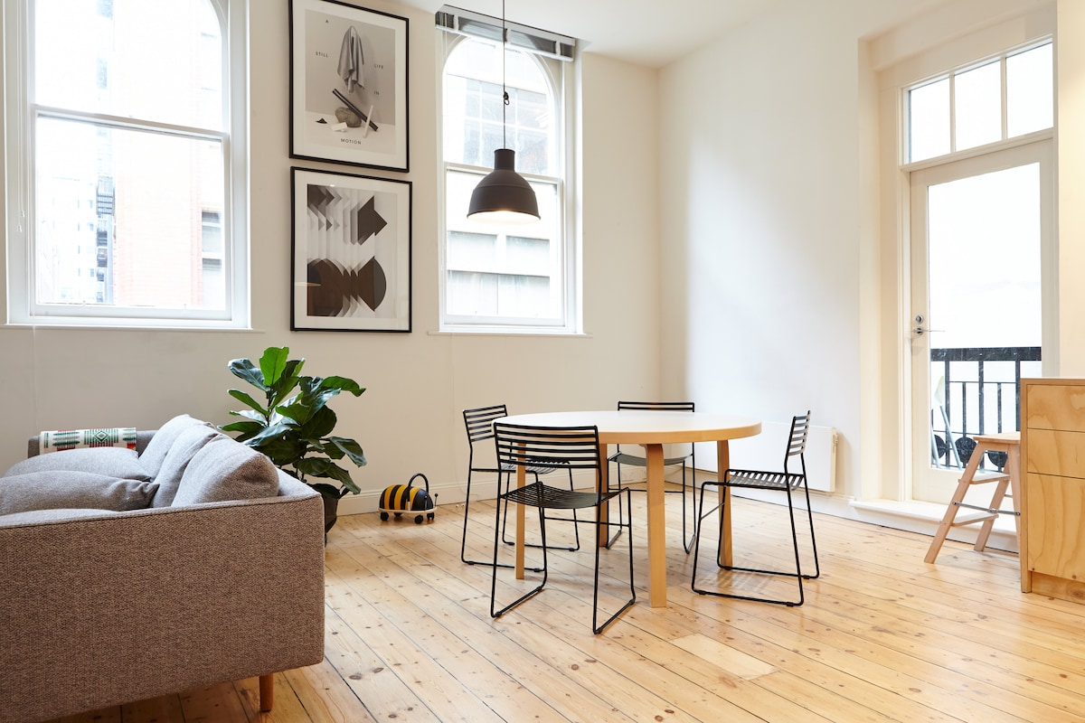 Sundrenched living spaces