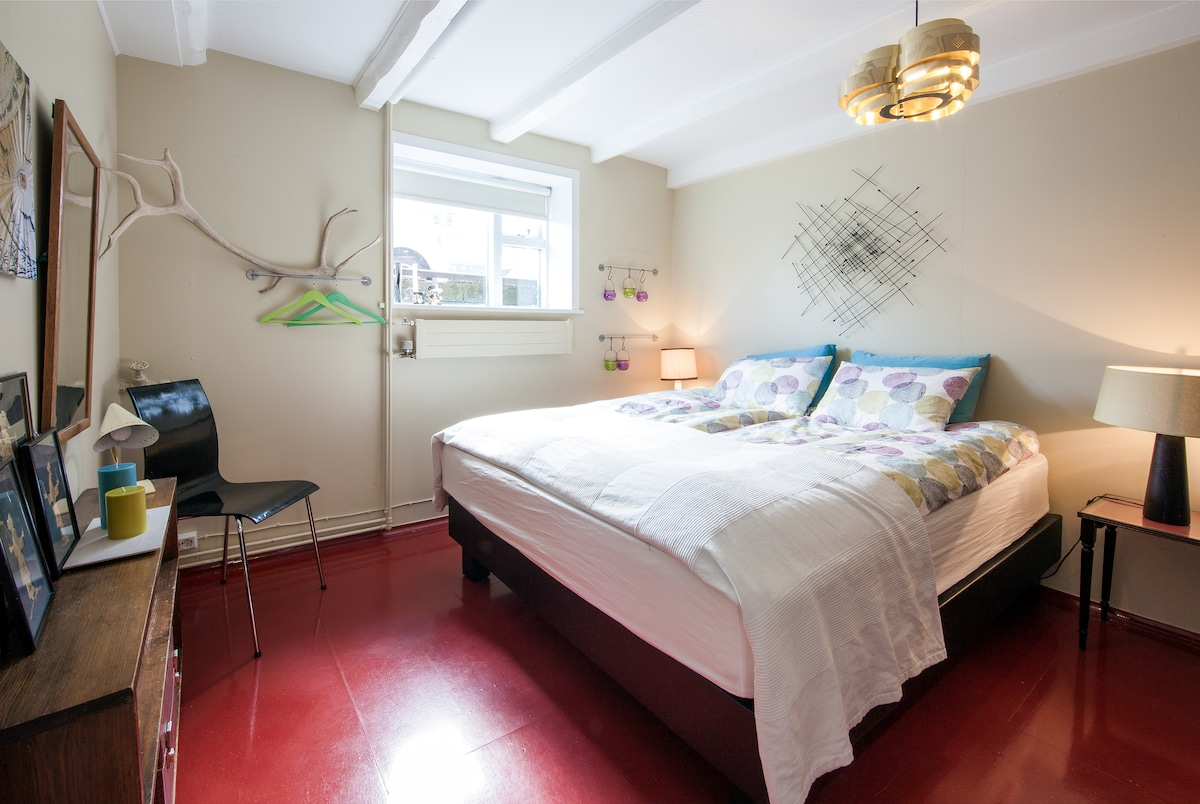 Bedroom; 1 double bed and 1 single bed