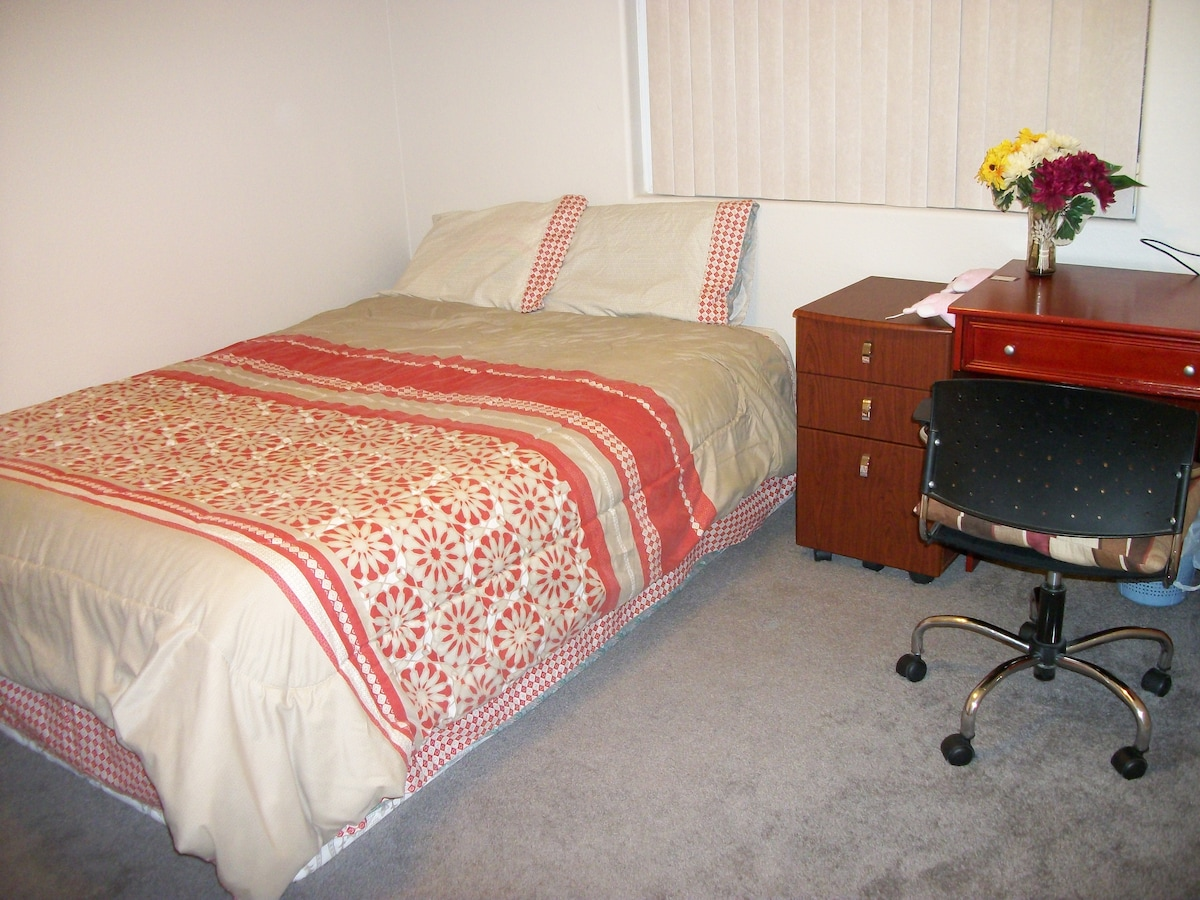 Queen Bed layered with Triple Bed Foams, very Comfy