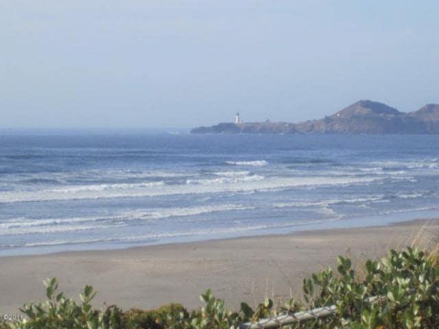Ocean Front 3 BR near Nye Beach