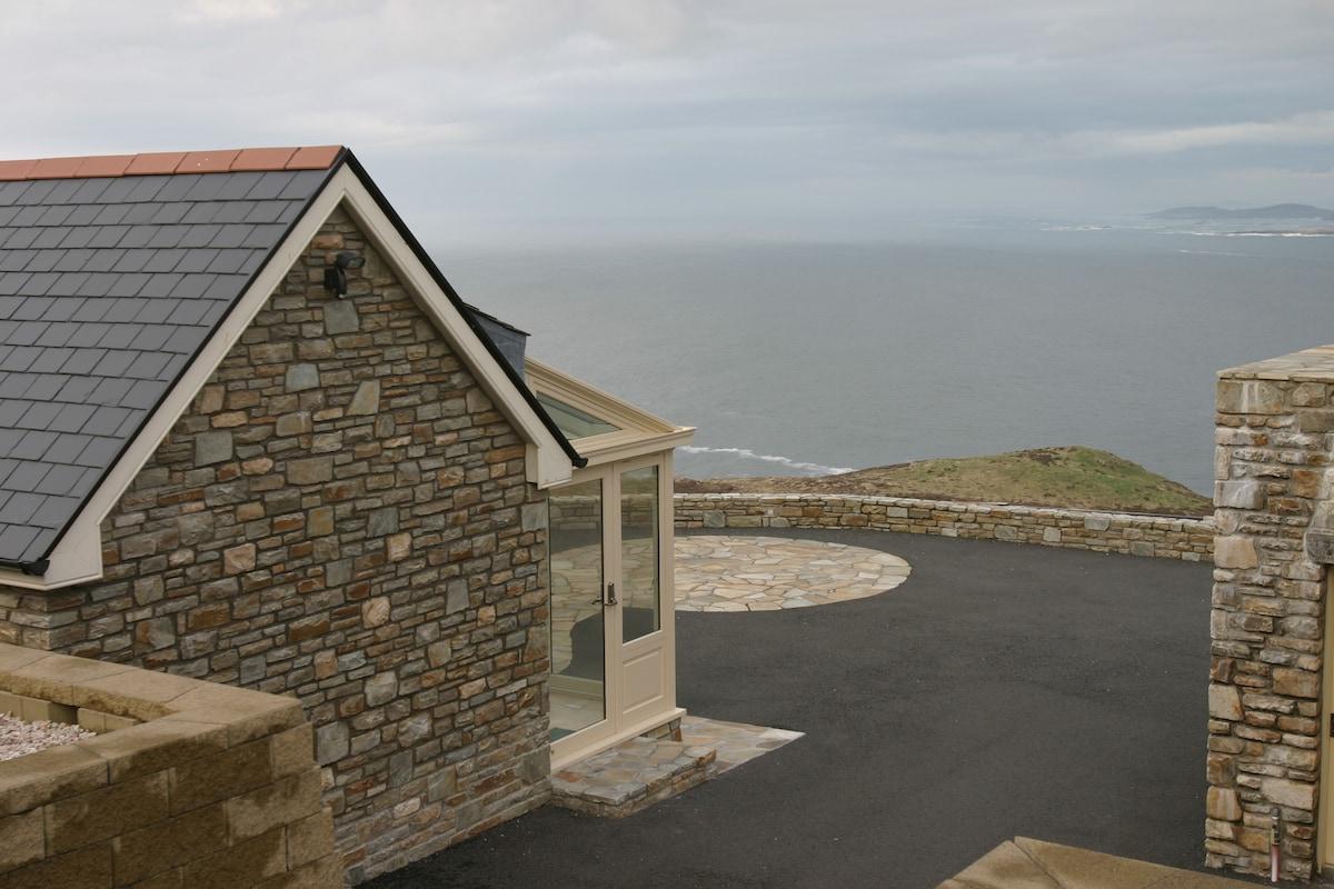 Luxury Cliffside Retreat Ocean View