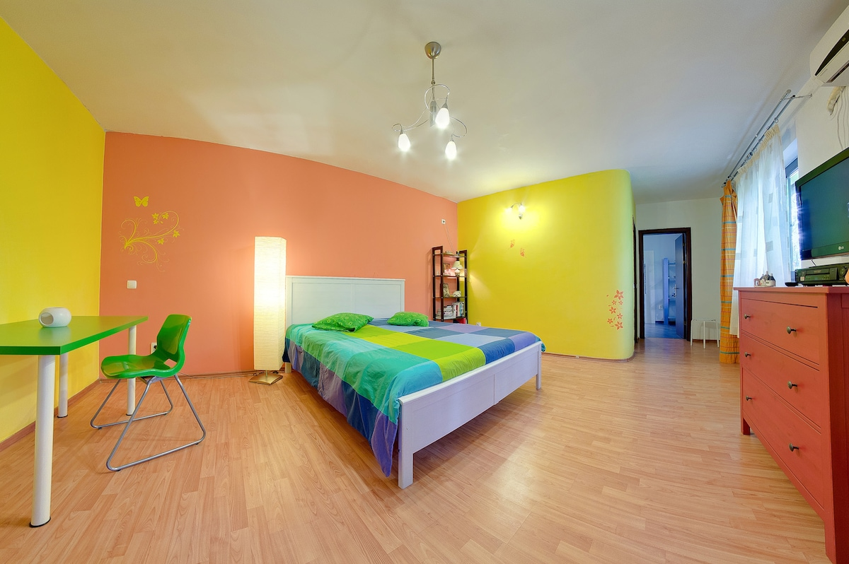 Lovely room close to city center