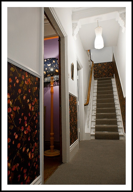 Entrance hallway/staircase