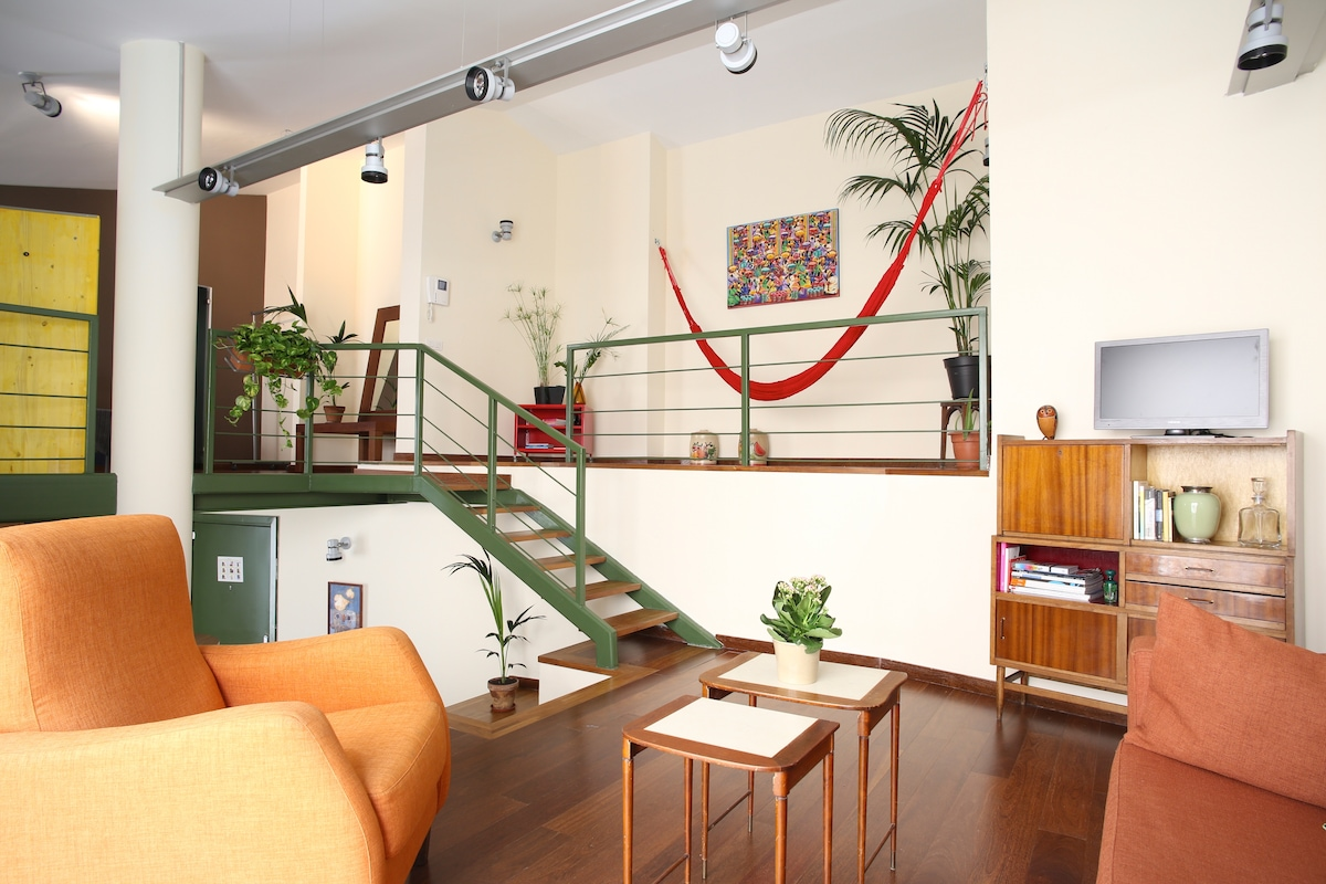 Apartment with hammock in Gothic Q