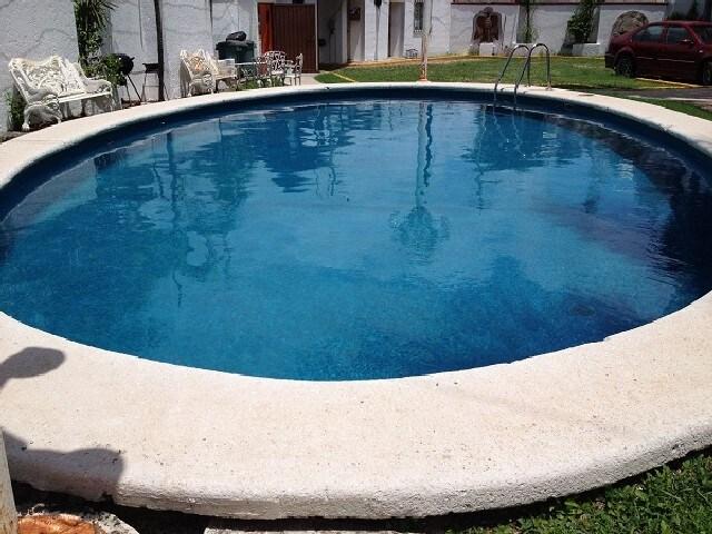 Alberca de 5 metros y 1.60 de profundo. Big 5 meters pool and 1.6 m deep.