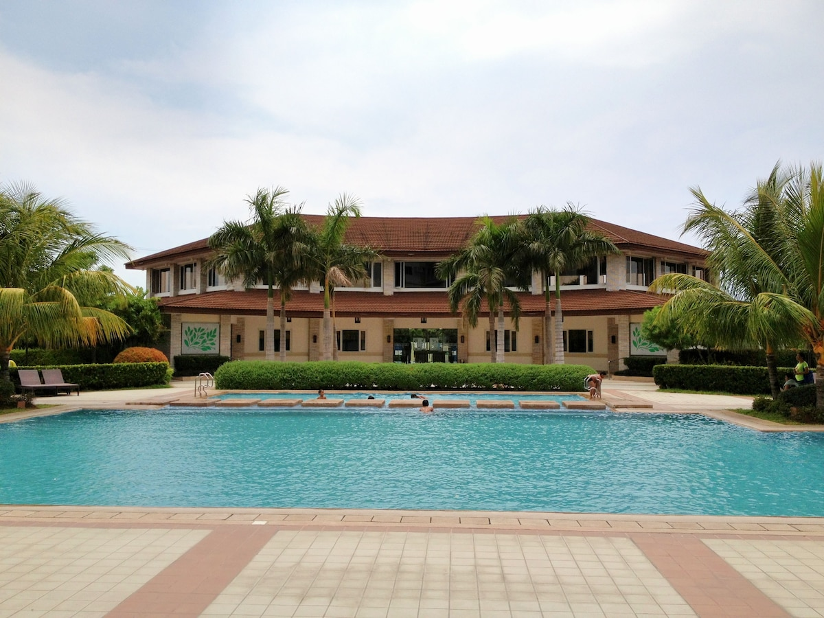 Swimming pool in front of clubhouse