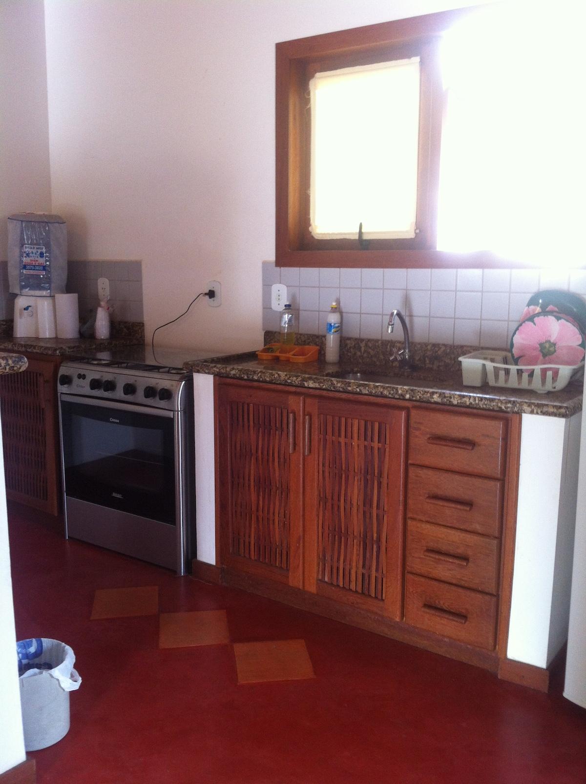 cozinha com grande fogao