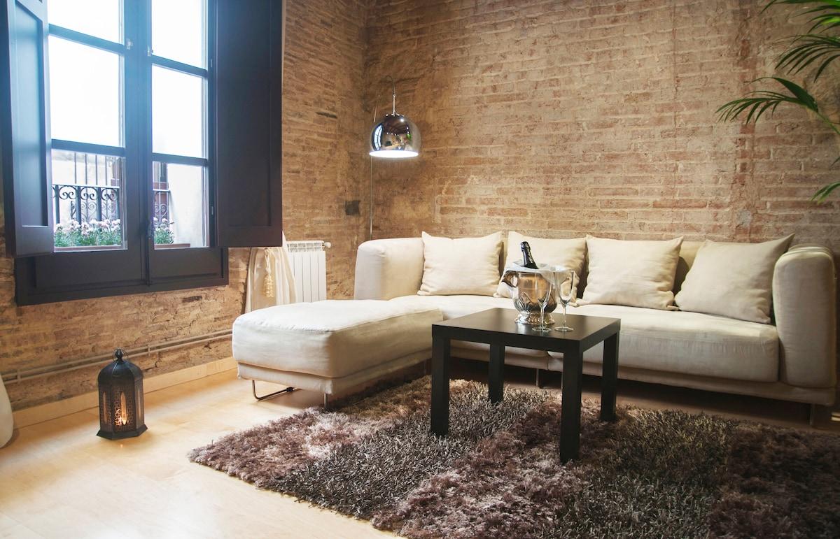 «CAESAR AUGUST»  Luxury Apartment (Heart Gotico)