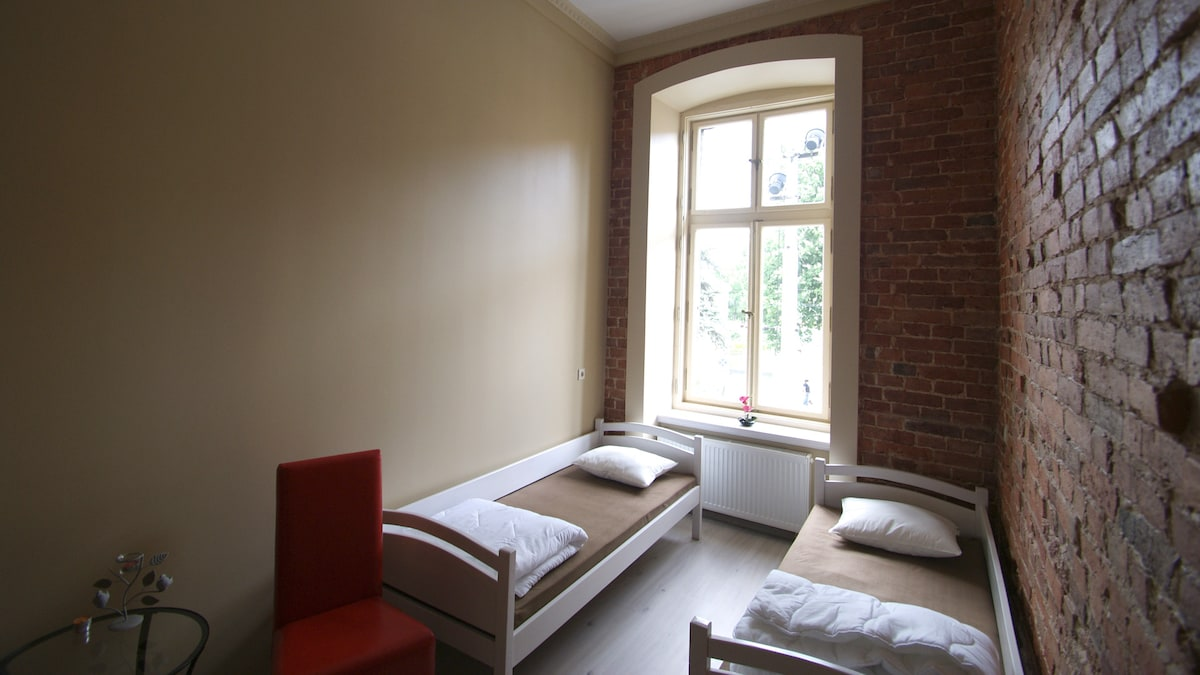 Pokój nr 9 - Room no 9