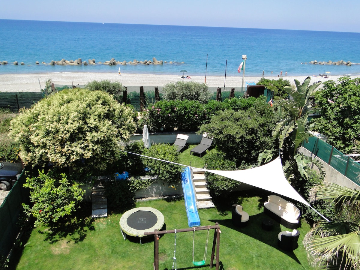Holiday House by the sea Sicilia