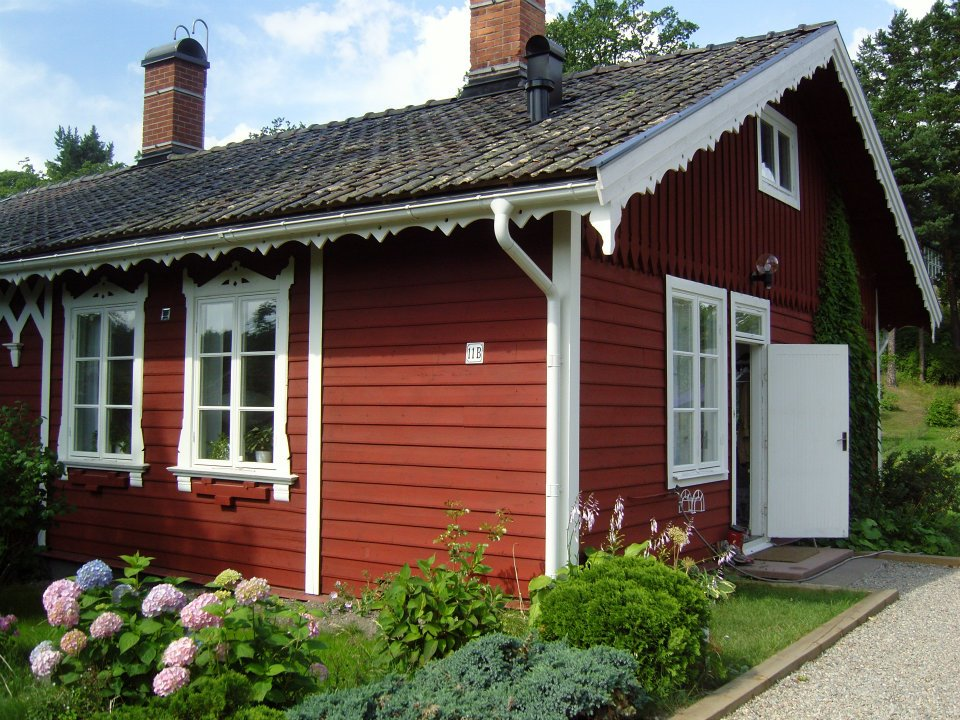 Charming little red house from 1871