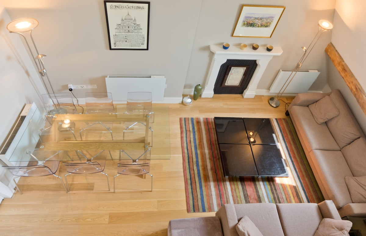 Looking down from the Mezzanine