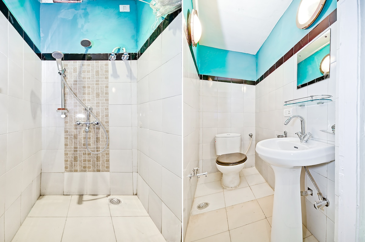 Bathroom on suite wiht the first bedroom