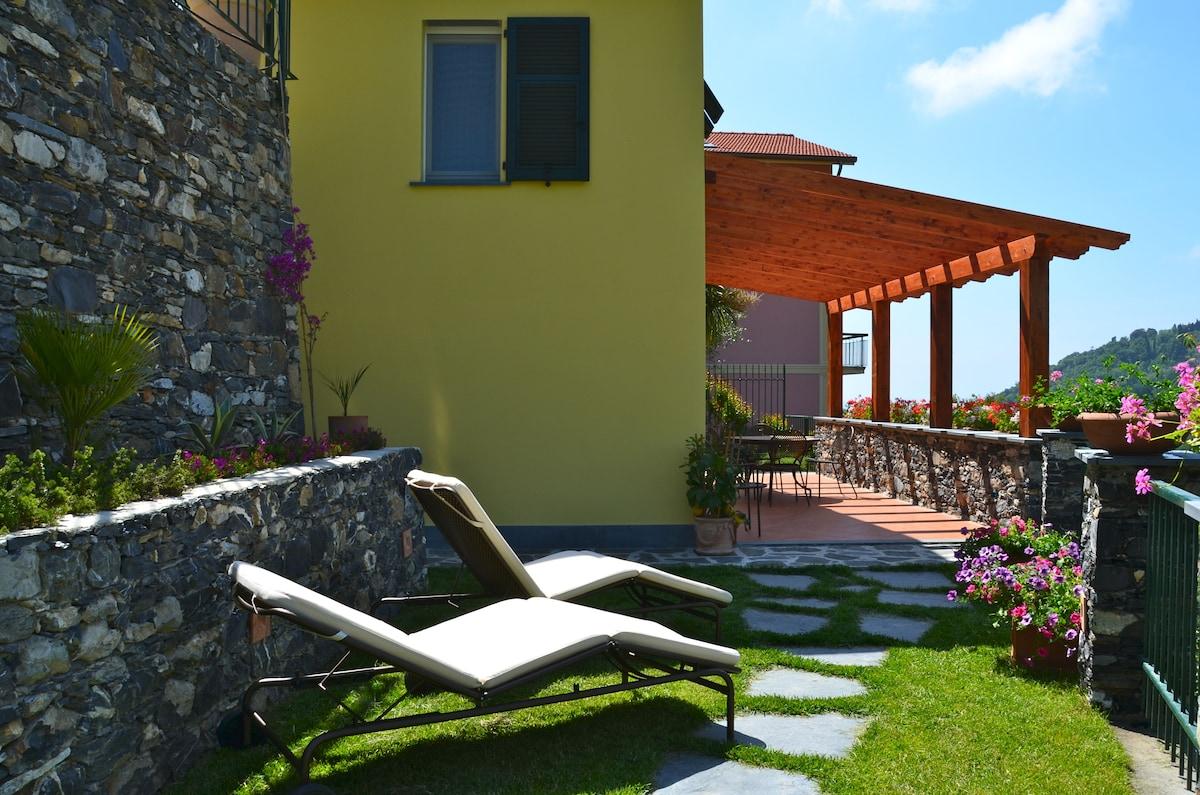 Villa with Garden Italian Riviera