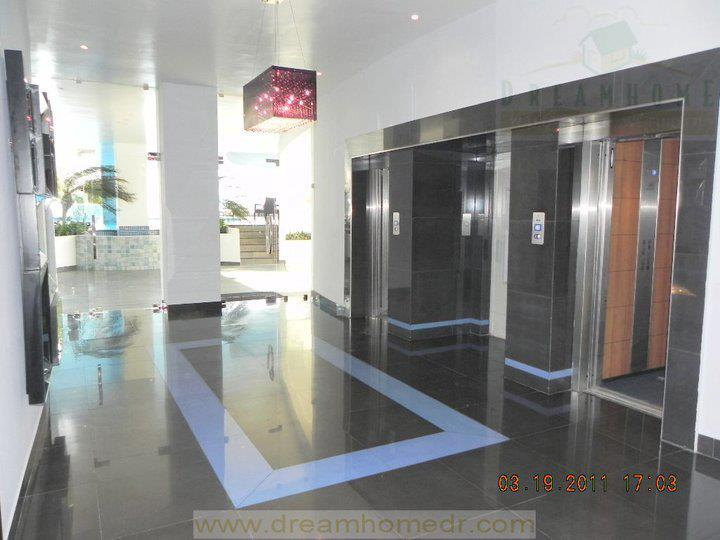 Main entrance lobby with access to elevators; there's direct entrance without steps for handicapped access