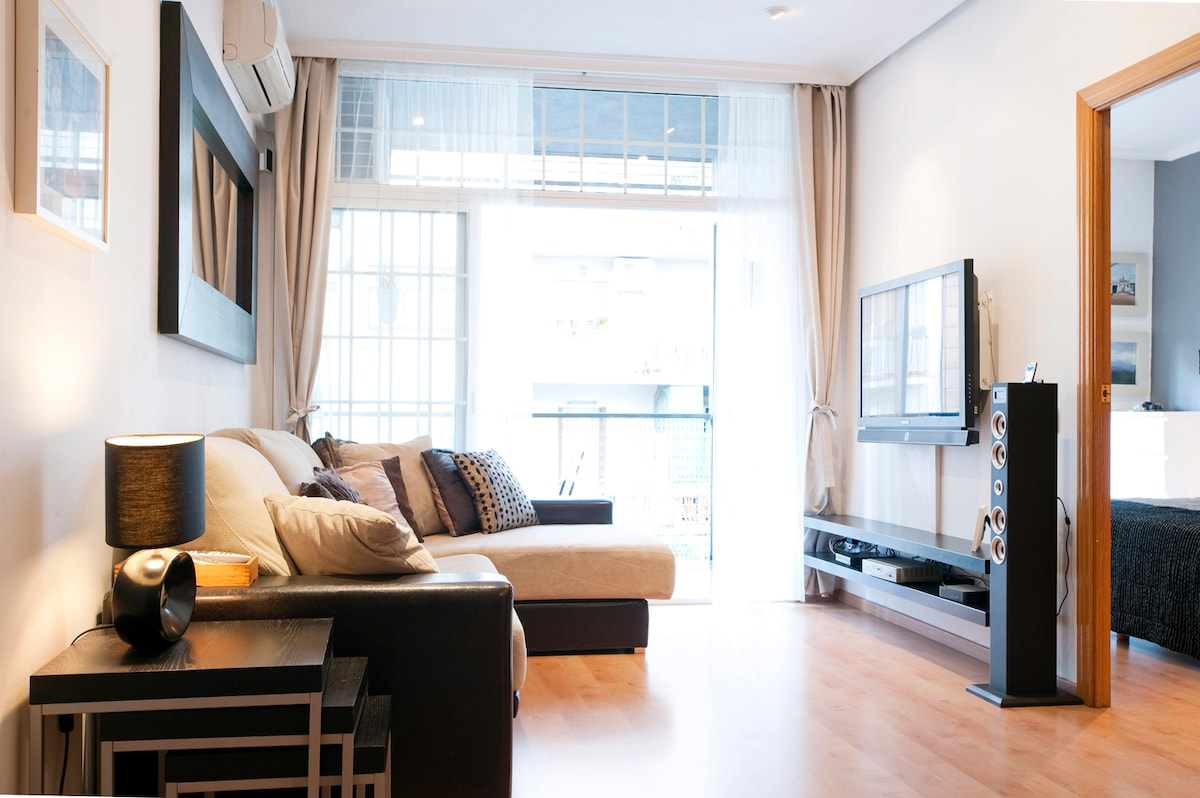 Large bright Living Room with cable TV and DVD. + central heating-air condition+super comfortable sofas.
