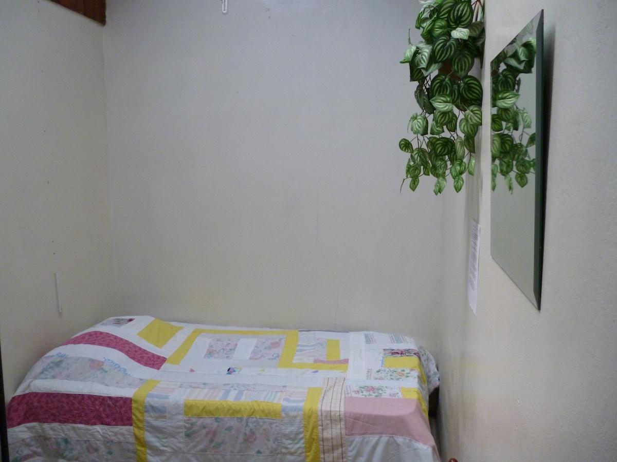 one bedroom image number 2