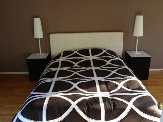 Queen Bed, Owner Bedroom