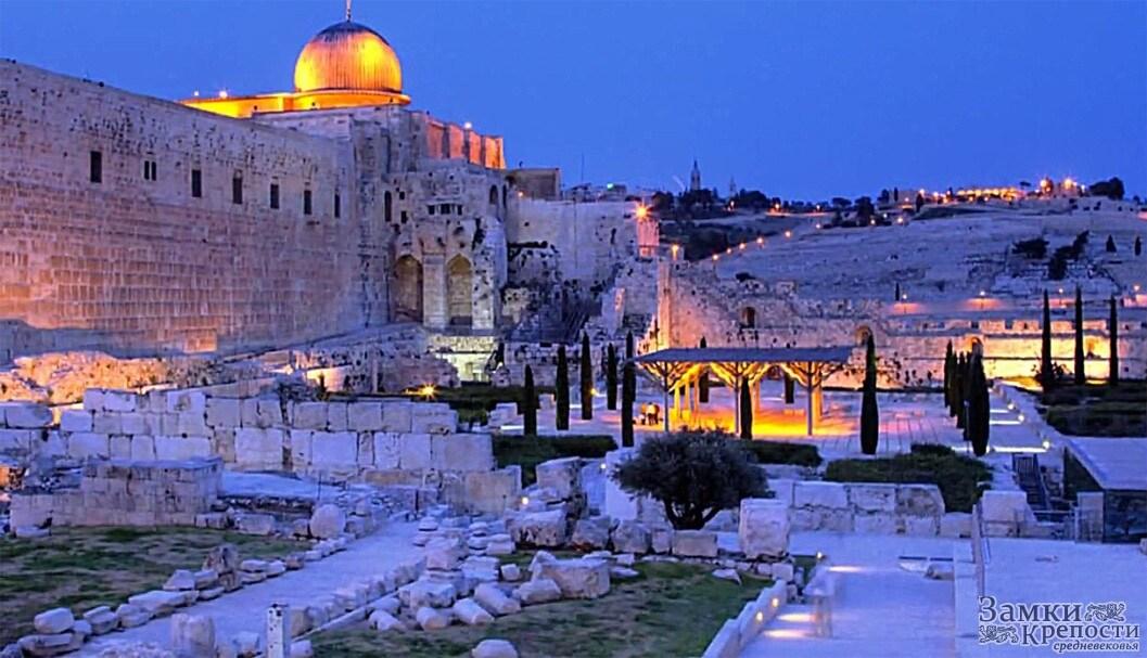 Room in JERUSALEM, a good location.