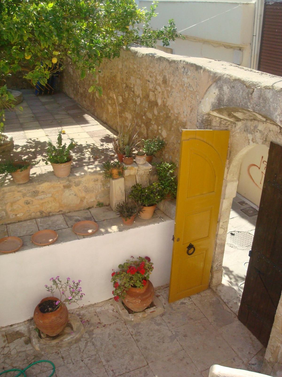 The Old Door of 'Palia Porta'