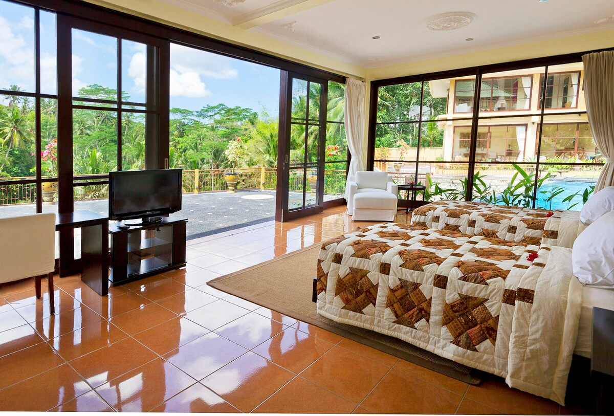 Luxury Bali Villa Close to Ubud