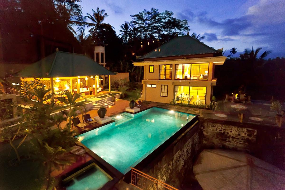 Luxury Bali Villa Close to Ubud
