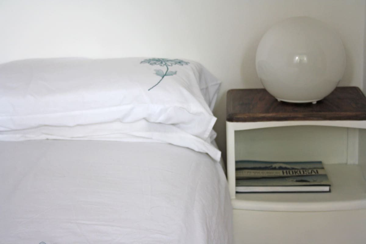 Double bed in a friendly house