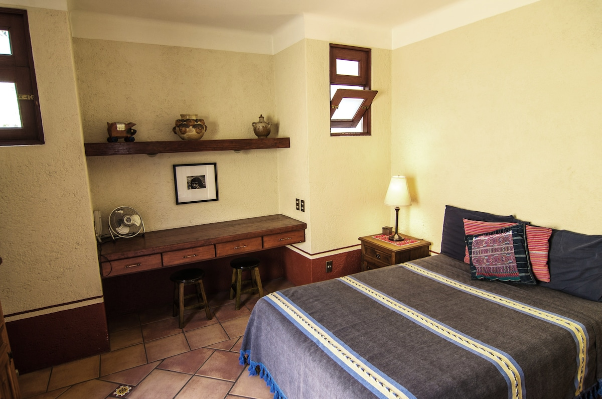 Queen/Double Bed and Desk Space