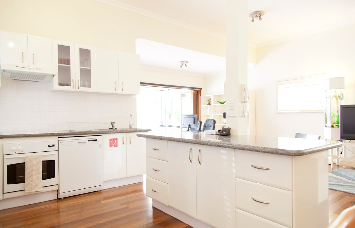Luxury Central 4 Bed Room House