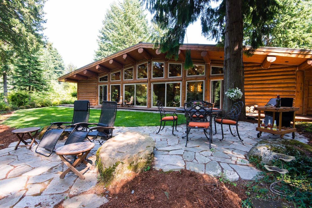First Fall's Waterfall - Log Cabin