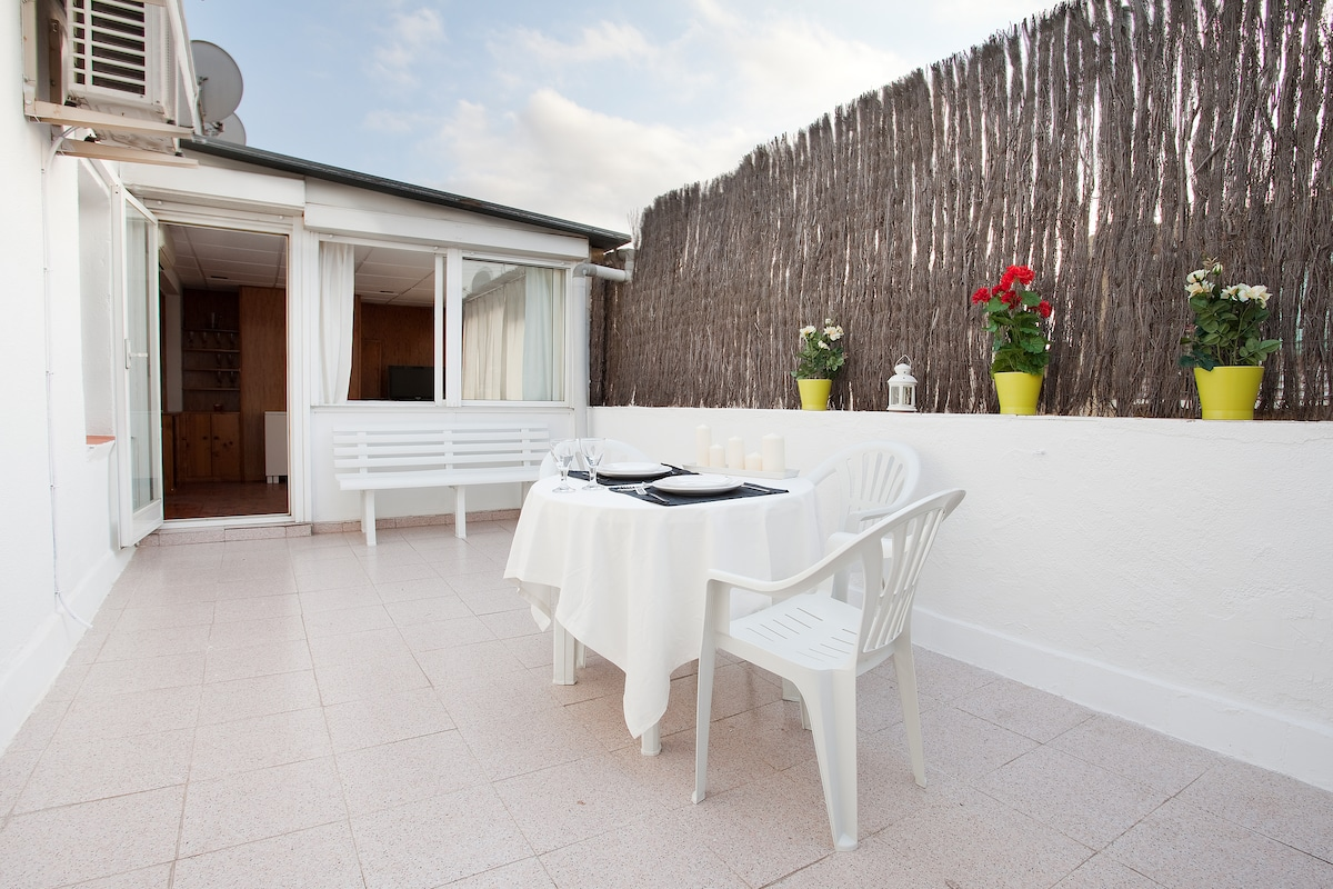 super sunny terrace very quiet ... perfect for relax ... have out doors shower ,